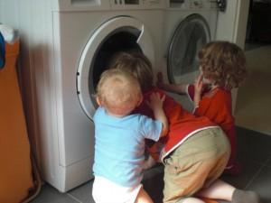 was gibt es Schöneres, als einer sich drehenden Waschmaschne zuzusehen?!